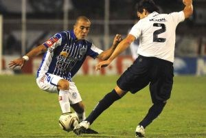 Diario La Noticia - Godoy Cruz ganó un partido clave y sigue de cerca a Independiente