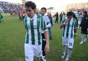 Diario La Noticia - Banfield se fue al descenso con derrota e incidentes